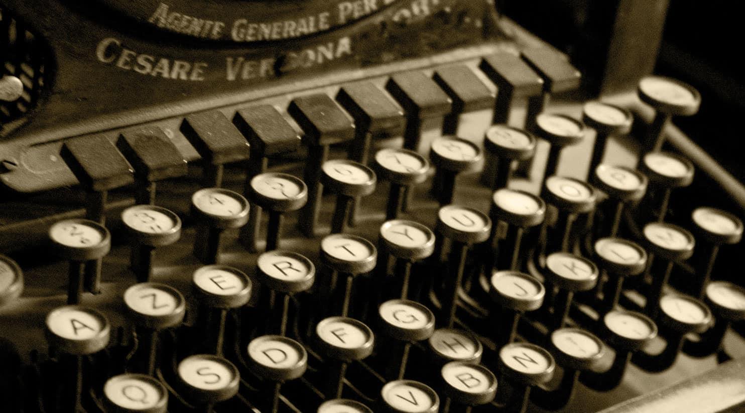 Villa Canestrari antica macchina da scrivere