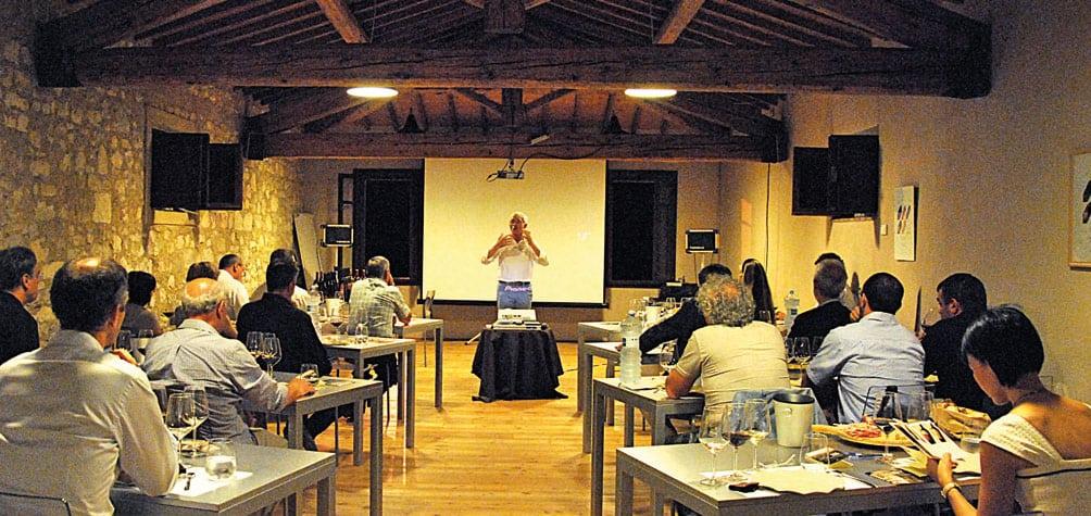 Villa Canestrari convegni e lezioni al museo del vino