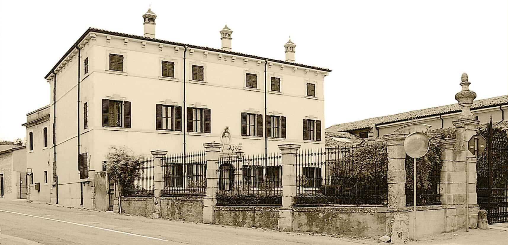 Esterno di villa canestrari e del museo del vino di Verona