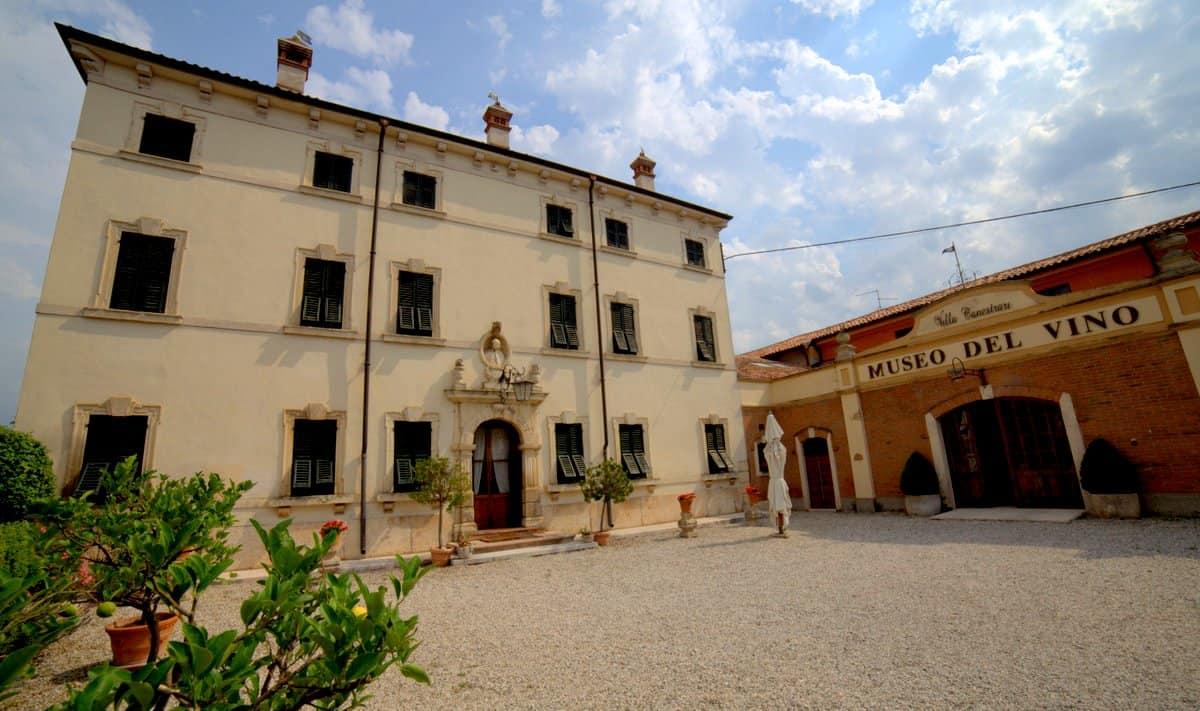 Villa Canestrari - azienda - entrata museo del vino