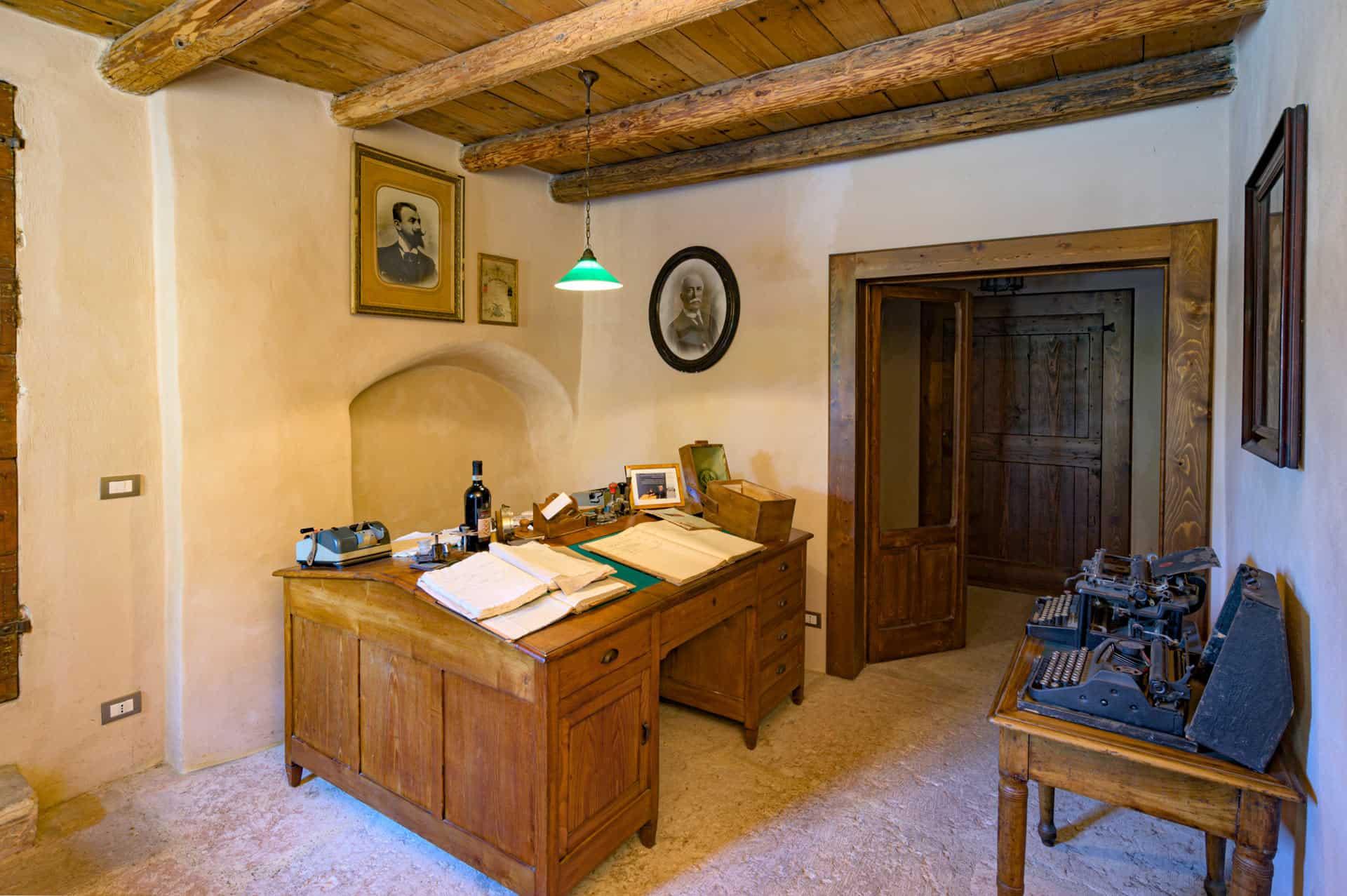 museo del vino verona villa canestrari scrivania